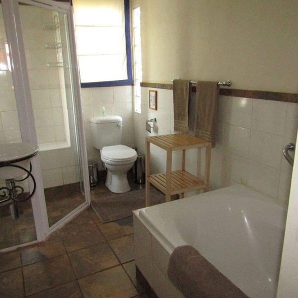 Wild Pear bathroom